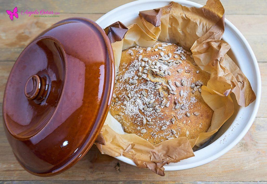 Pão de espelta na panela